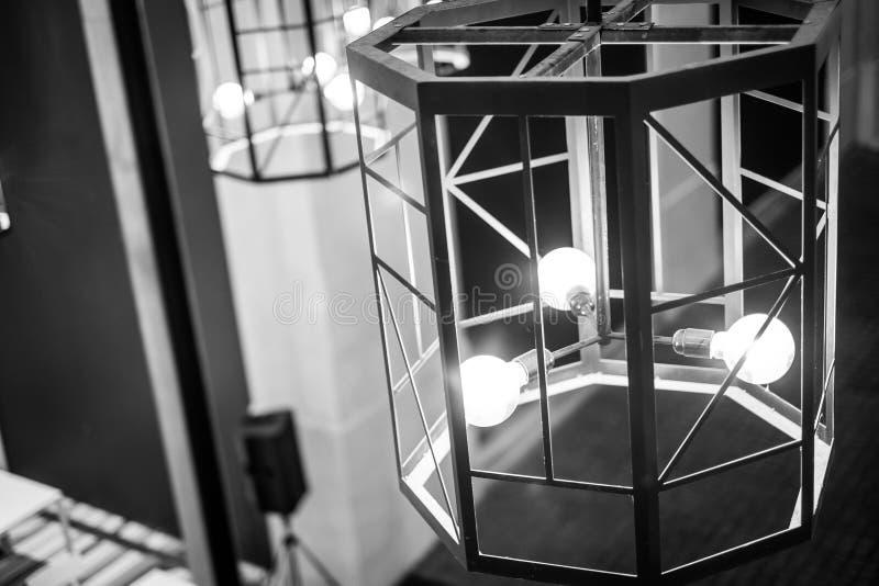Foto preto e branco da luz, ideia retro para a lâmpada leve imagem de stock royalty free