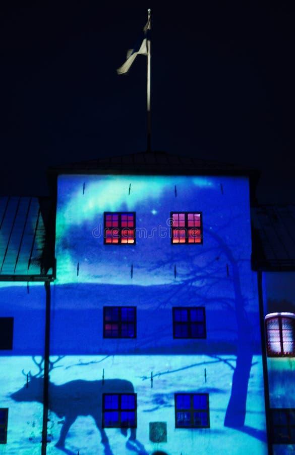 Foto preto e branco do castelo de Turku na noite, é uma construção medieval na cidade de Turku em Finlandia Era fotos de stock