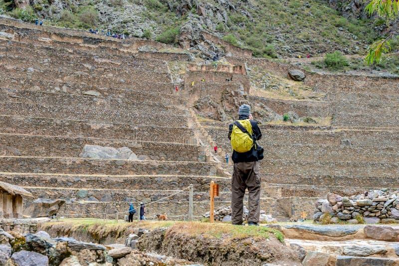 Foto Que Toma Turística De Las Terrazas De Ollantaytambo