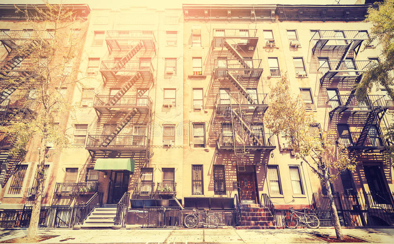 Foto retro do estilo do filme velho da rua de New York, EUA fotografia de stock