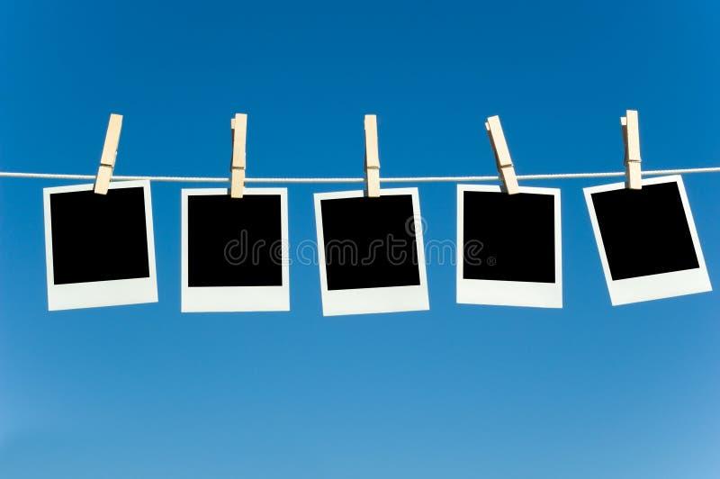 Foto's op een clotheline