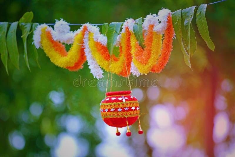 Foto van dahi handi op gokulashtamifestival in India, dat de geboortedag van Lord Shri Krishna ` s is royalty-vrije stock foto's