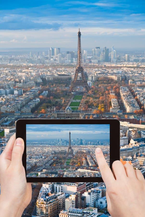 Foto van de Toren van Eiffel en Gebied van Mars in Parijs stock foto