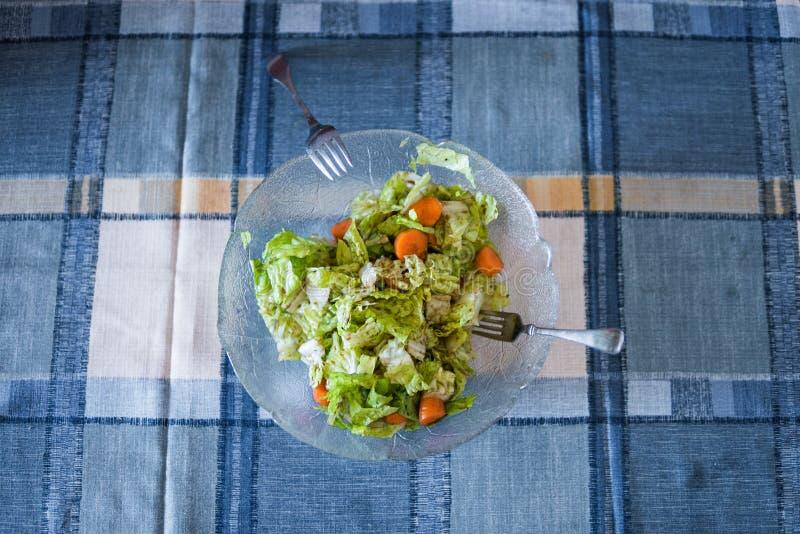 Foto van een eenvoudige salade stock foto