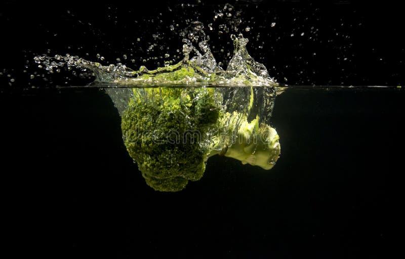 Foto van groenten onder water worden gelaten vallen dat royalty-vrije stock foto