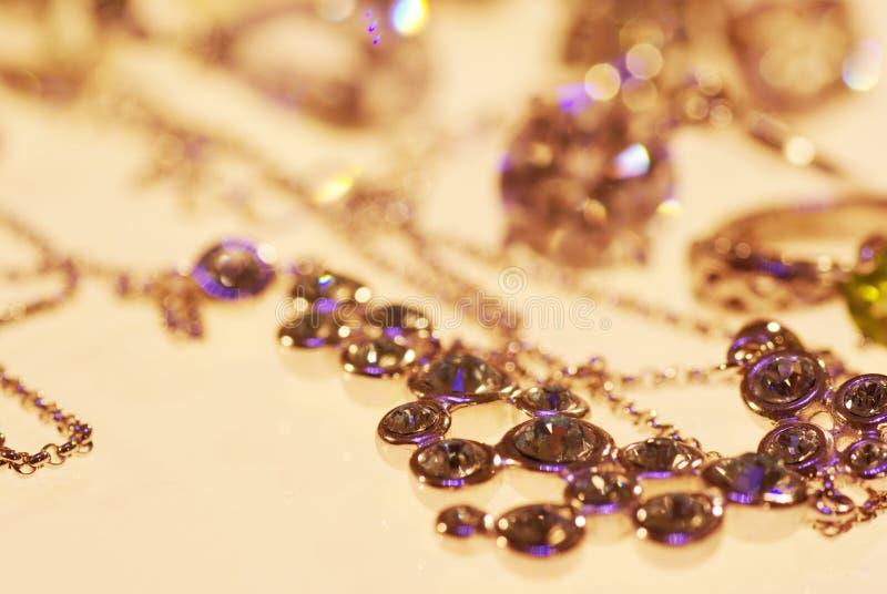 Foto van juwelenringen en kettingen royalty-vrije stock fotografie