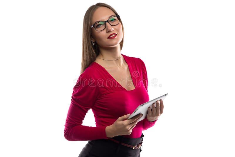 Foto van vrouw in rood overhemd met tablet stock afbeeldingen