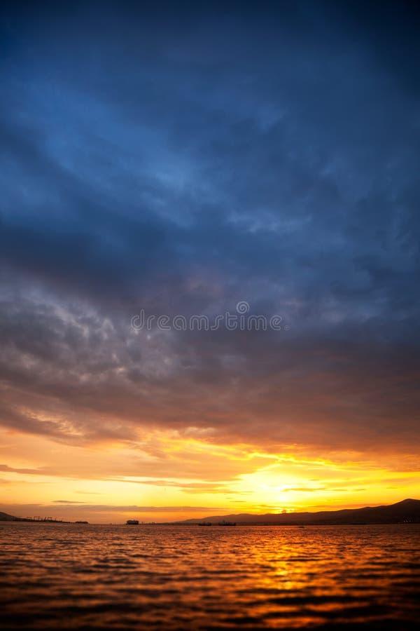 Foto van zeegezicht bij zonsondergang stock afbeeldingen