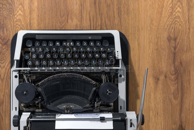 Foto velha do close up da máquina de escrever do vintage foto de stock royalty free
