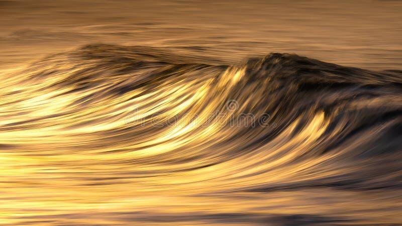 Foto von Wellenwassertexturen bei Sonnenuntergang stockfoto