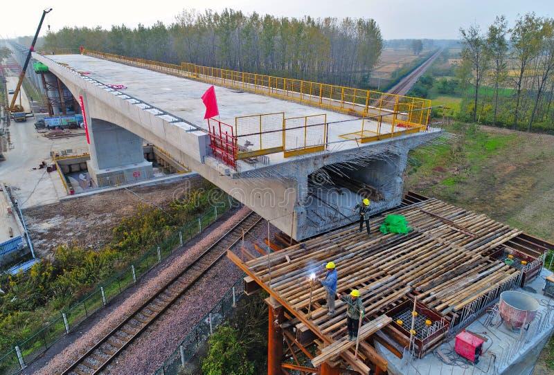 Fotografía aérea de la construcción ferroviaria de alta velocidad en el `, provincia de Jiangsu, China del huai fotos de archivo libres de regalías