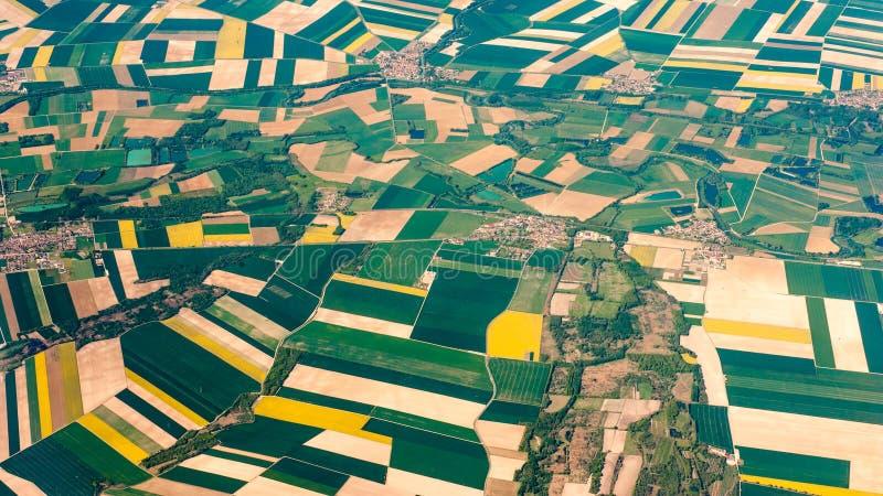 Fotografía aérea sobre los suburbios de París imagen de archivo libre de regalías