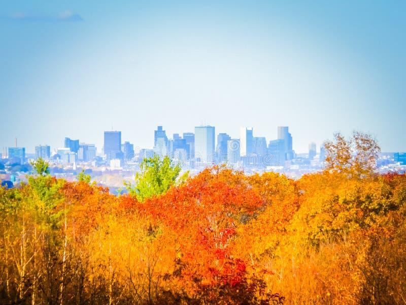 Fotografía de la caída del horizonte de Boston en un día soleado imagen de archivo libre de regalías