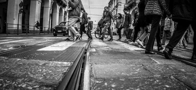 Fotografía de la calle de Turín Italia en blanco y negro fotografía de archivo libre de regalías
