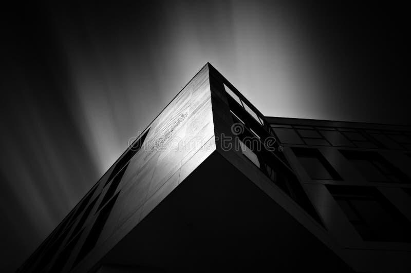 Fotografía negra, blanco y negro, monocromática, arquitectura
