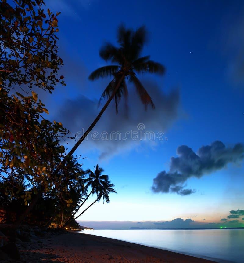 Puesta del sol de la playa del mar fotos de archivo libres de regalías