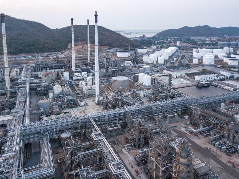 Fotografías aéreas de las plantas de las refinerías de petróleo, depósito de gasolina, el tanque de aceite, el tanque químico, ne imagen de archivo