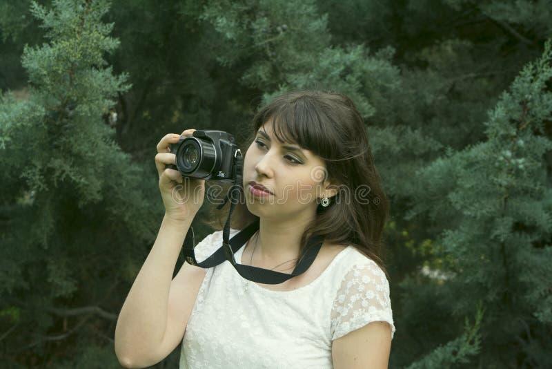 Fotografías morenas jovenes de la muchacha foto de archivo