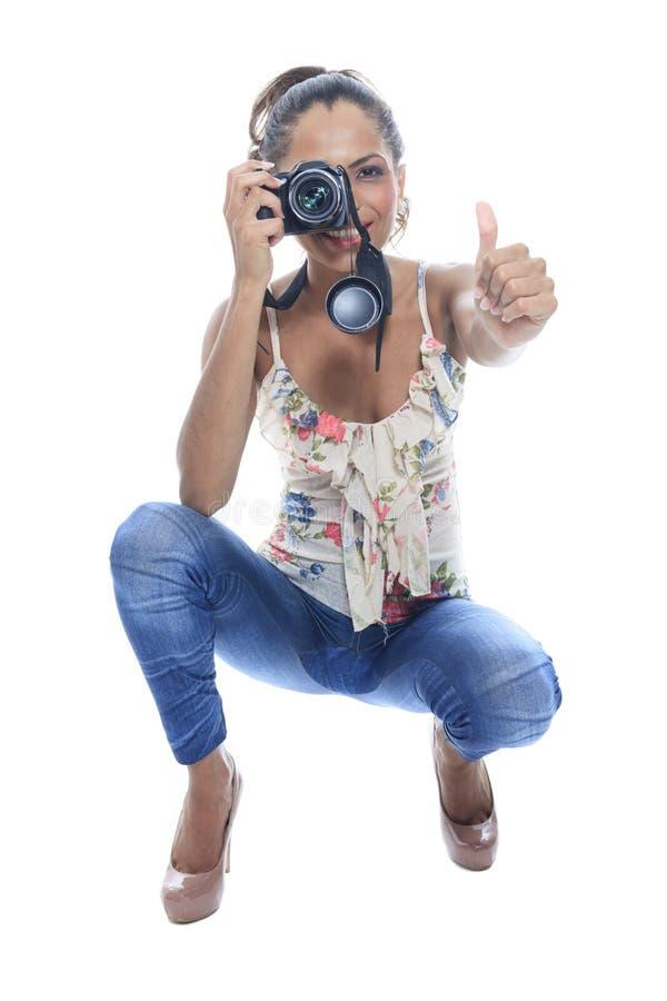 Fotograf bierze kłapnięcia, odosobnionych na bielu obrazy stock