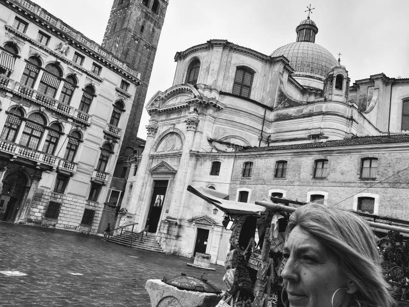Fotograf?a blanco y negro de Venecia cerca de la estaci?n imagen de archivo