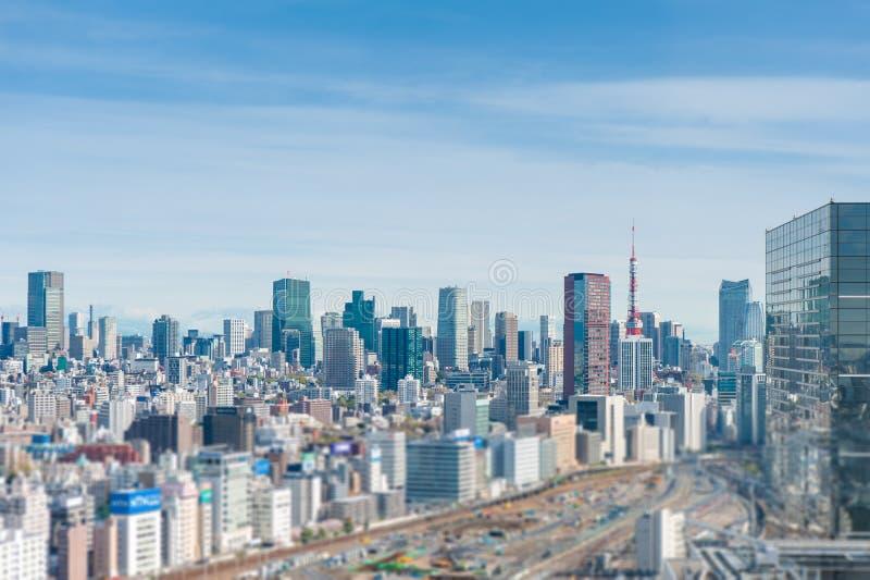 Fotograf?a a?rea, paisaje urbano que pasa por alto Tokio, Jap?n fotografía de archivo