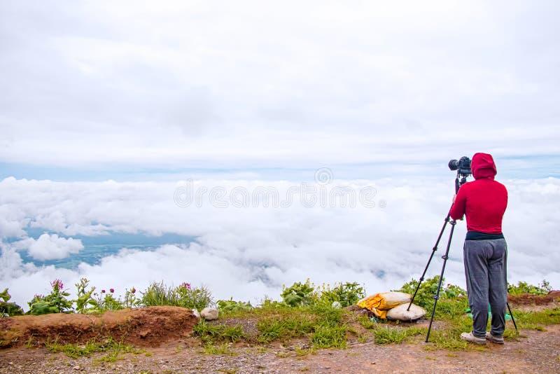 Fotograf som tar fotografi för Thailand loppnatur royaltyfri fotografi