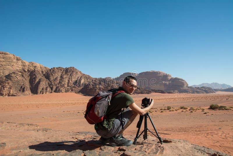 Fotograf w pustyni obrazy royalty free