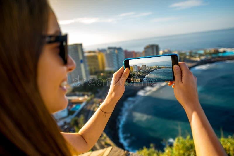 Fotografando o la Cruz City de Puerto de na ilha de Tenerife foto de stock royalty free
