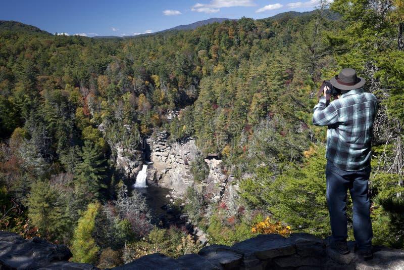 Fotografare Linville cade su Ridge Par blu fotografia stock