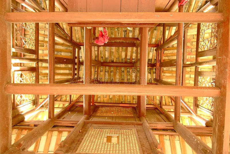 Fotografe a parte superior de um pavilhão velho fotografia de stock royalty free