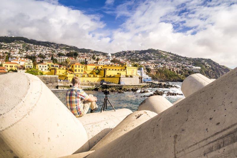 Fotografera en gammal slott i Funchal, Portugal royaltyfri bild
