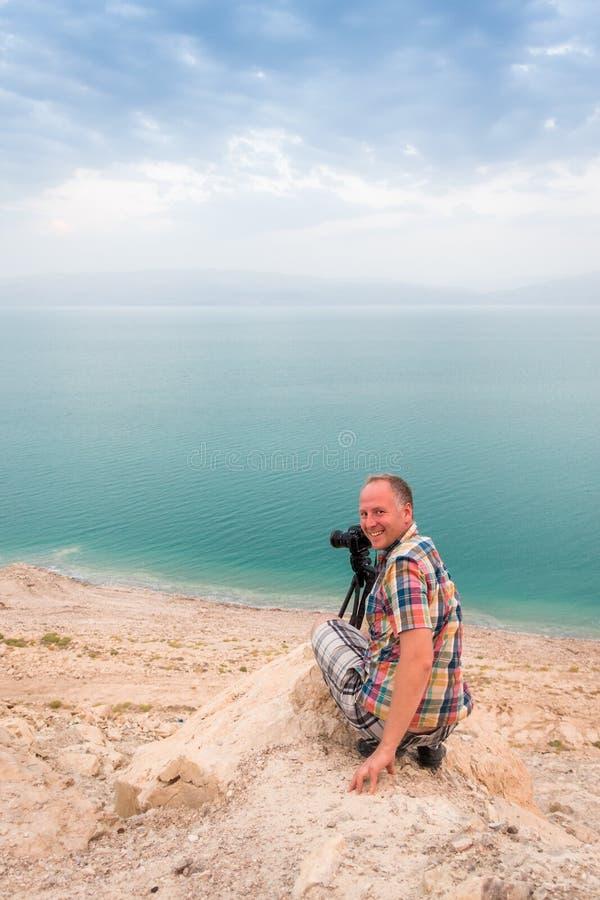 Fotografera på den döda havskusten, Israel arkivbilder