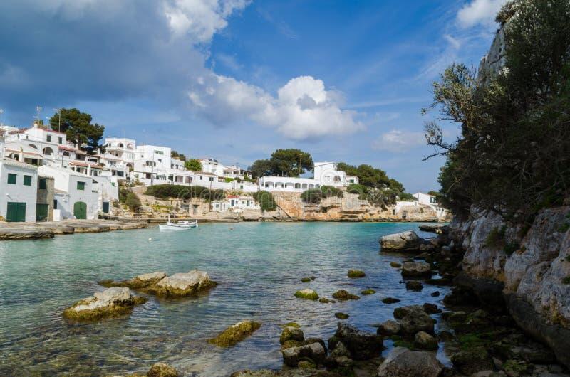 Fotografi av ett underbart landskap av stranden av Alcaufar, Menorca Ett perfekt paradis royaltyfri bild