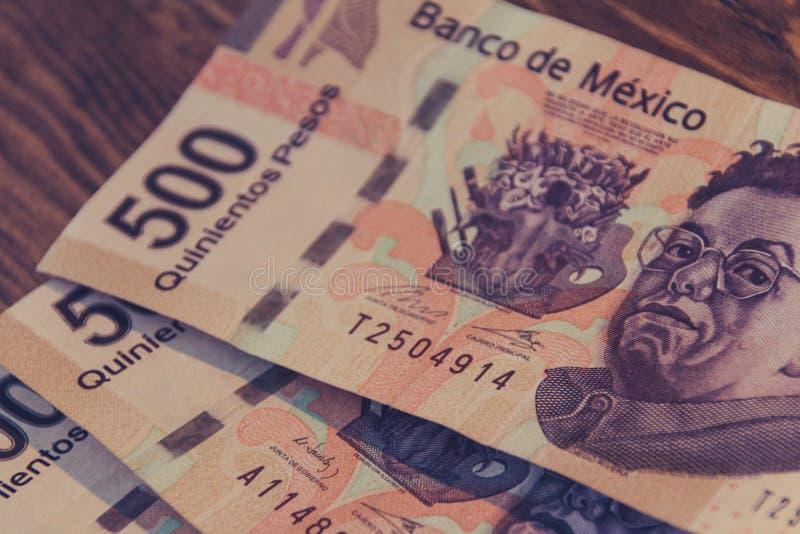 Fotografi för femhundra räkningar för mexikanska pesos arkivbild