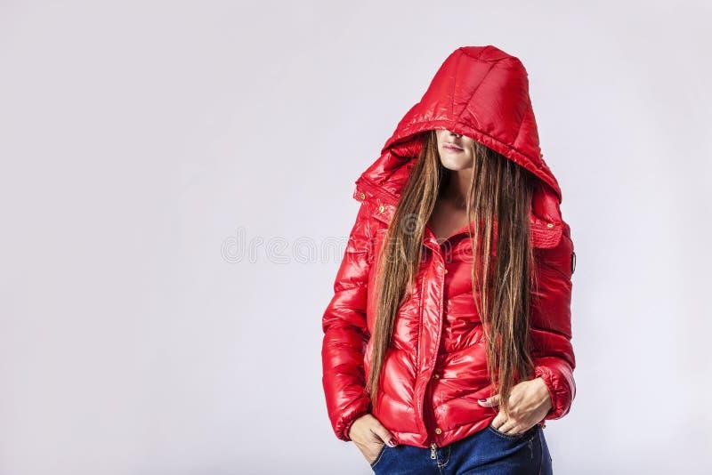 Fotografi för studio för kvinna för modemodell härligt arkivfoto