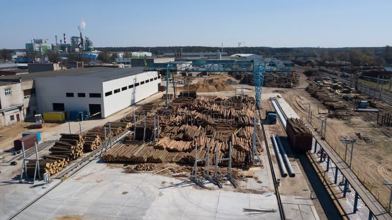 Fotografia aerea di industria di falegnameria con il fuco fotografia stock