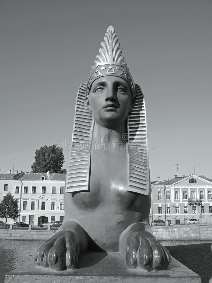 Fotografia in bianco e nero della Sfinge a St Petersburg fotografia stock libera da diritti