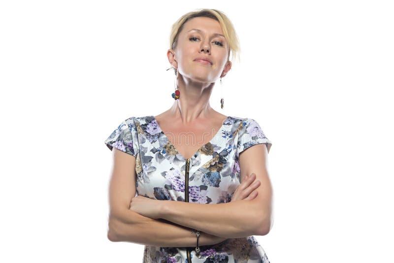 Fotografia blondynka z rękami krzyżować obraz royalty free