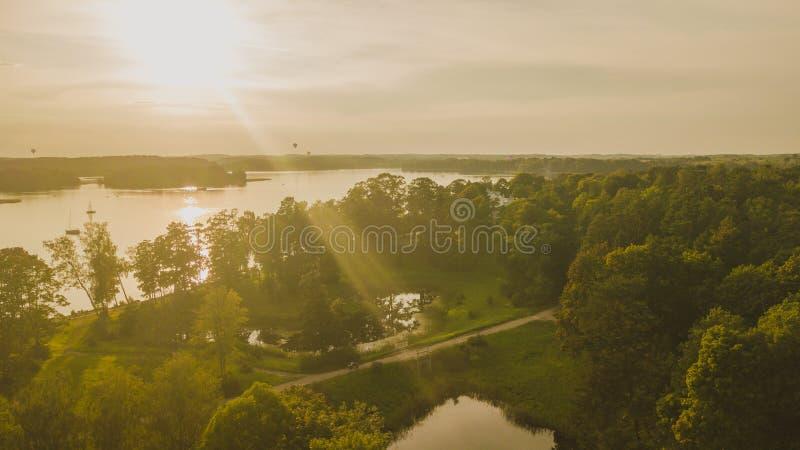 Fotografia del fuco dei uzutrakis durante il tramonto immagine stock