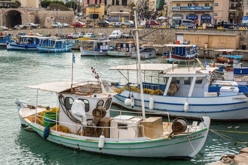Fotografia di viaggio: Pescherecci Porto di Candia, Creta, Grecia fotografia stock