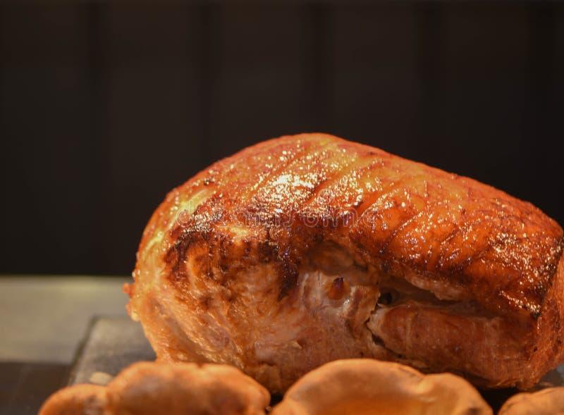 Fotografia do alimento da junção cozinhada e de descanso quente do presunto defumado ou de presunto do assado da carne em um fund imagem de stock royalty free