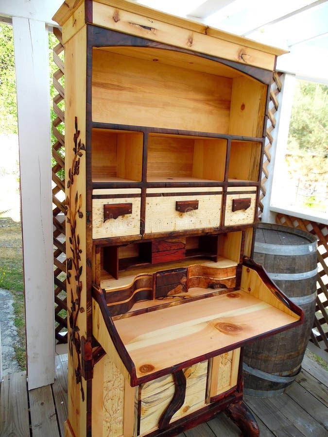 Fotografia do secretário de madeira Handcrafted Desk Side View imagens de stock royalty free