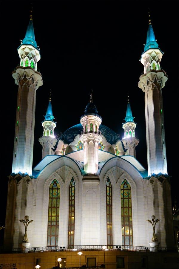 Fotografia Kul-Sharif meczet w Kazan Na moscie ol?niewaj?cy ?wiat?a Kazan Rosja obrazy royalty free