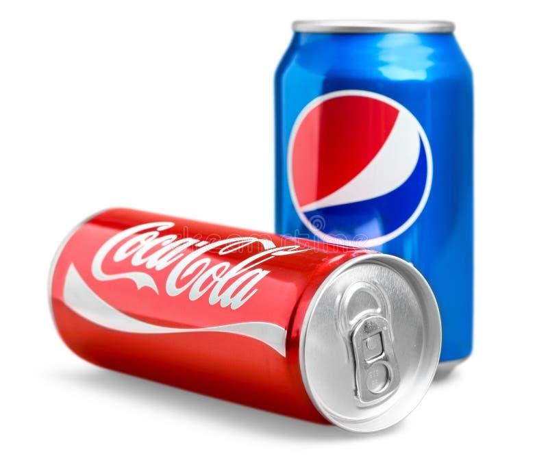 Fotografia Pepsi i koka-kola 330 ml puszki koka zdjęcie royalty free