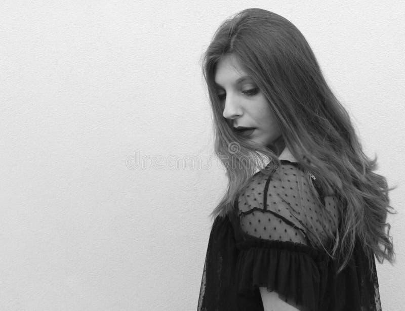 fotografia que descreve um girl& de cabelos compridos x27; cara de s imagem de stock royalty free