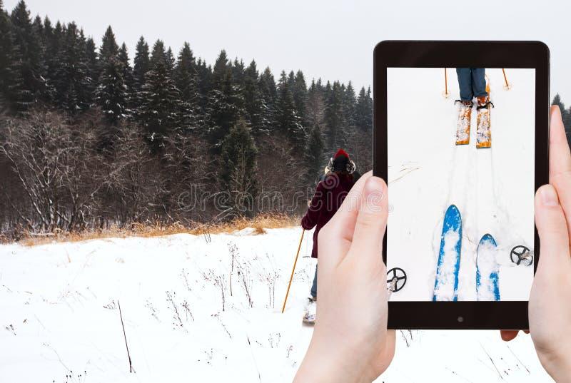 Fotografias do turista da corrida de esqui na neve fotos de stock