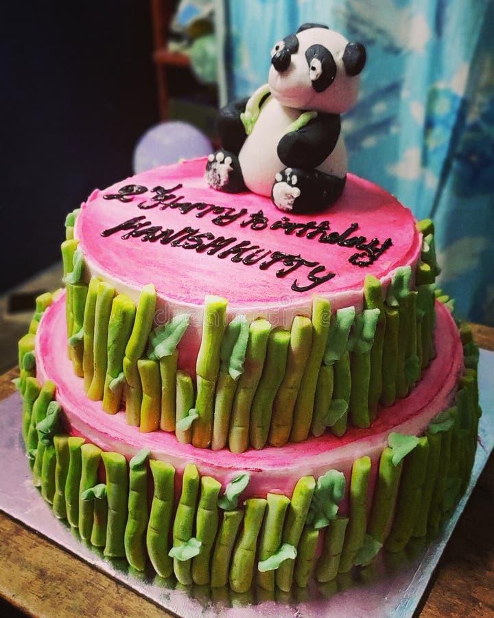 Fotografie van de kleuren de volledige cake stock fotografie