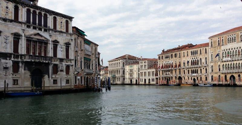 Fotografier av går i Venedig arkivfoto