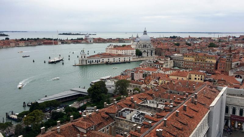 Fotografier av går i Venedig arkivbilder