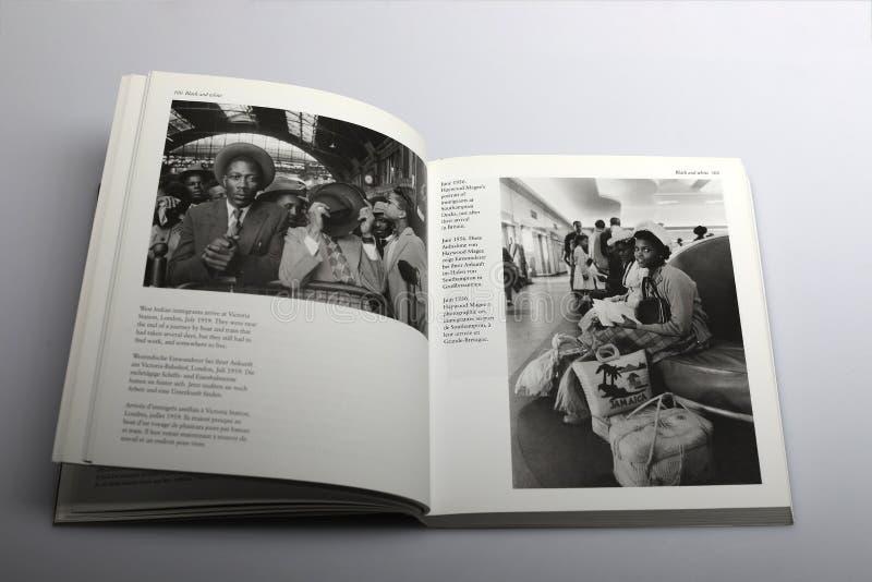 Fotografii książka Nick Yapp, imigranci przyjeżdża w Londyn i Southampton obraz royalty free